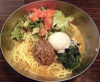 ガスト新潟上王瀬店 肉みそとサラダのピリ辛冷やしタンタン麺
