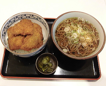 栄パーキングエリア(上り) 新潟タレかつ丼そばセット