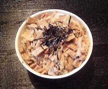 新旬屋麺酒田中町店 チャーシューメンマ丼