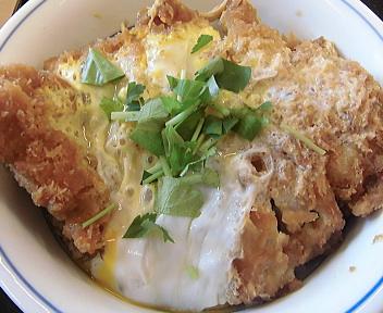 かつや 亀田インター店 カツ丼+とん汁 アップ
