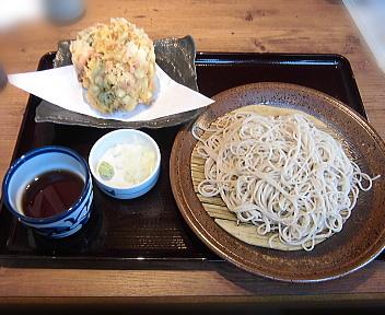 十割そば会新潟赤道店 たっぷり海老とチーズのかき揚げそば(大盛)