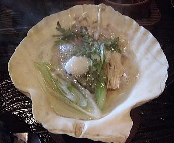 百穂苑 地鶏丼 しょっつる貝焼き