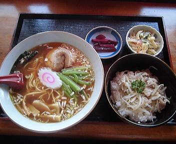 ガキ大将柏崎店 日替わりランチ(にぼしラーメン、アイスコーヒー)