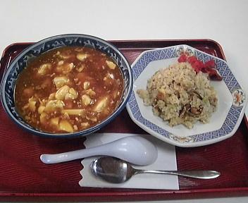 めおと食堂 めおとセット(麻婆麺とのセット)