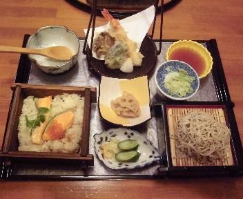 清水苑 鮭とイクラの蒸籠ご飯&そば御膳