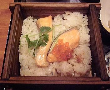 清水苑 鮭とイクラの蒸籠ご飯&そば御膳 鮭とイクラの蒸籠ご飯