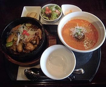 三宝茶楼河渡店 石焼牡蠣あんかけ炒飯&担々麺セット