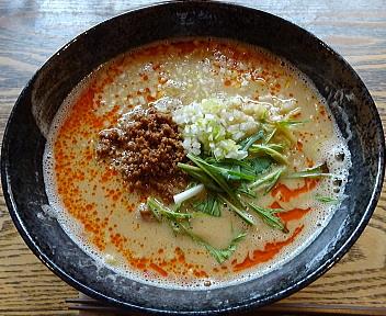 香町 担々麺