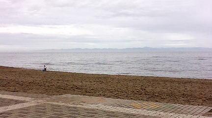 朝の青山海岸(佐渡)