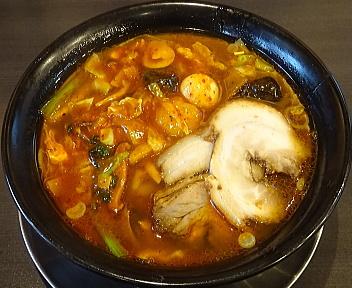 麺華 ピリ辛五目麺+チャーシュー2枚