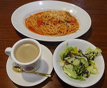 HelloLao Cafe ランチ(ナポリタン+アメリカンコーヒー)