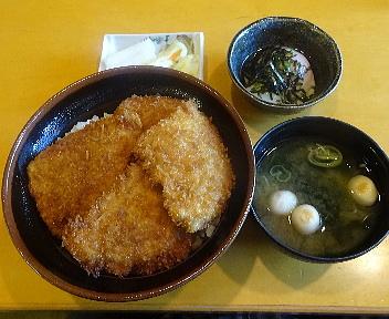 とんかつ政ちゃん牡丹山店 並かつ丼+味噌汁+温泉玉子