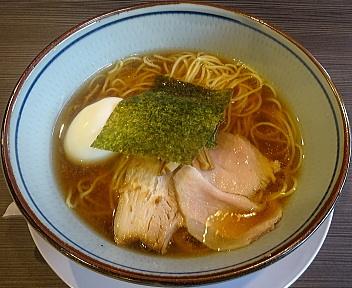 三銃士新松崎店 醤油らーめん