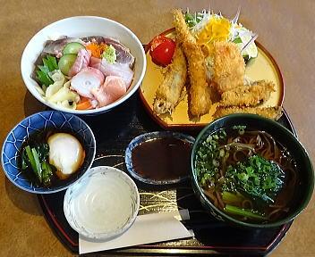 魚まさ ランチ海鮮丼・お任せ魚フライ(おそば)