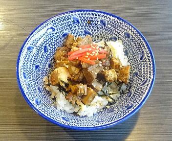 三銃士新松崎店 ちゃーしゅう飯