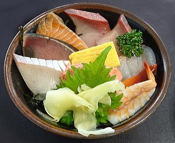 水産食堂 海鮮丼 アップ