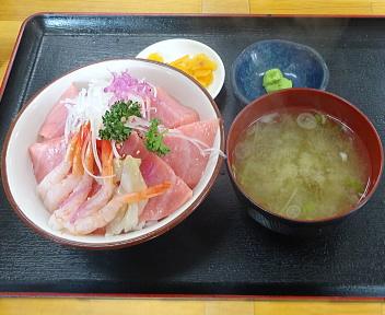 小松鮪専門店 三種中トロ丼