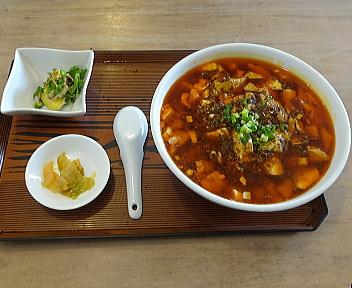 萬福食堂 定食四川麻婆麺