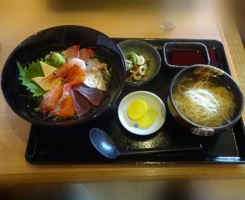 丼どん亭 海鮮丼+ねぎ拉麺セット