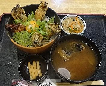 港食堂 カキ丼+漁師汁